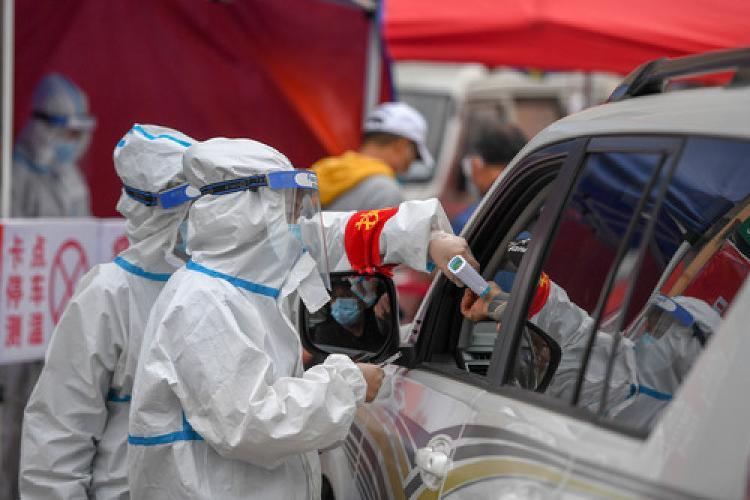 上海目前有18例当地确诊病例,已经对380人进行了仔细检查。