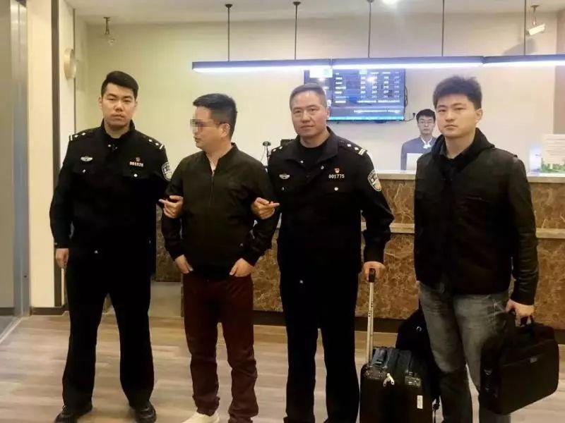 上海警方成立证券犯罪调查支队(图片)