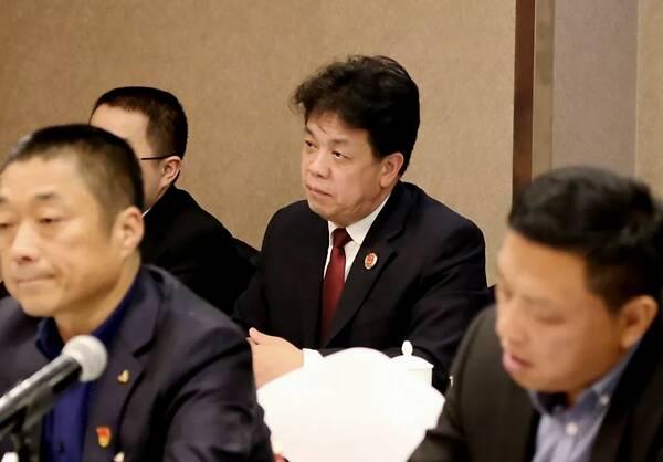 上海职业抓奸人 上海办公室已被其他省的检察官提起调查,退休金也被取消